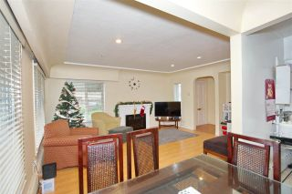 Photo 3: 7320 INVERNESS Street in Vancouver: South Vancouver House for sale (Vancouver East)  : MLS®# R2429721