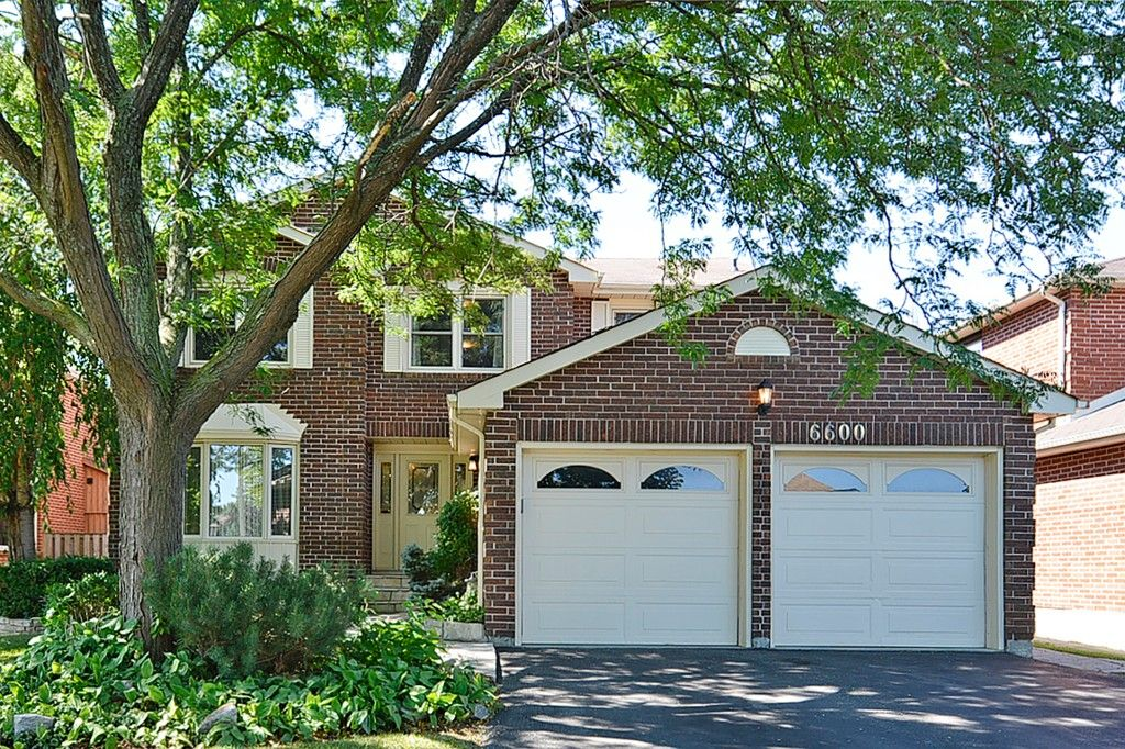 Main Photo: 6600 Miller's Grove in Mississauga: Meadowvale House (2-Storey) for sale : MLS®# W3009696
