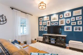 """Photo 13: 228 GIFFORD Place in New Westminster: Queens Park House for sale in """"QUEEN'S PARK"""" : MLS®# R2588400"""