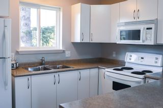 Photo 6: A 2491 Willemar Ave in : CV Courtenay City Half Duplex for sale (Comox Valley)  : MLS®# 873265