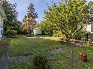 Photo 37: 2442 Tanner Rd in : CS Tanner House for sale (Central Saanich)  : MLS®# 858752