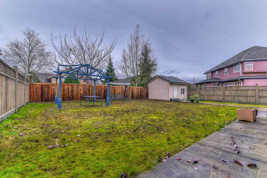 Photo 18: Photos: 15927 89A Avenue in Surrey: Fleetwood Tynehead House for sale : MLS®# R2228908