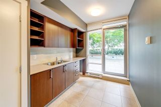 "Photo 17: 303 2978 GLEN Drive in Coquitlam: North Coquitlam Condo for sale in ""Grand Central by Intergulf"" : MLS®# R2422757"