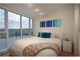 """Photo 13: 1203 918 COOPERAGE Way in Vancouver: Yaletown Condo for sale in """"THE MARINER"""" (Vancouver West)  : MLS®# V1048985"""