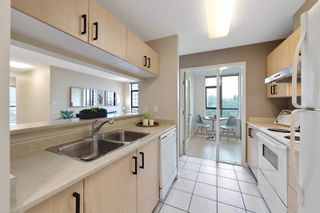 """Photo 8: 706 3520 CROWLEY Drive in Vancouver: Collingwood VE Condo for sale in """"Millenio"""" (Vancouver East)  : MLS®# R2617319"""
