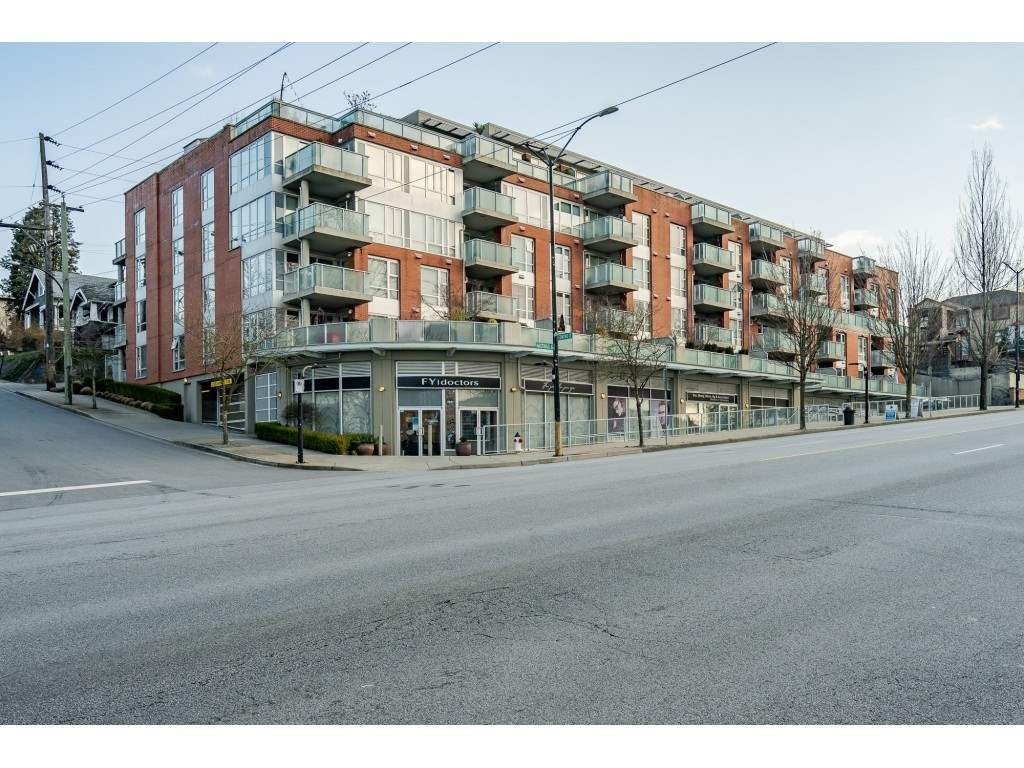 """Main Photo: 504 3811 HASTINGS Street in Burnaby: Vancouver Heights Condo for sale in """"MODEO"""" (Burnaby North)  : MLS®# R2559916"""