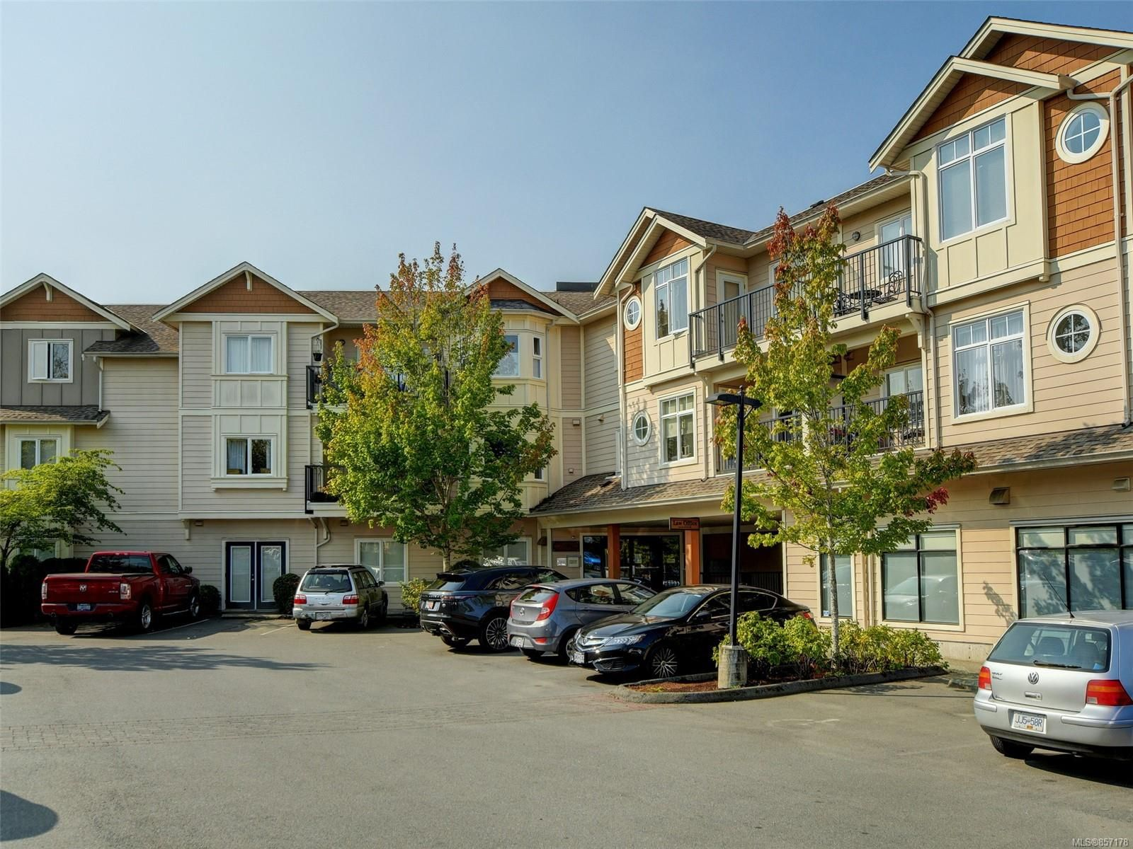 Main Photo:  in : CS Brentwood Bay Condo for sale (Central Saanich)  : MLS®# 857178