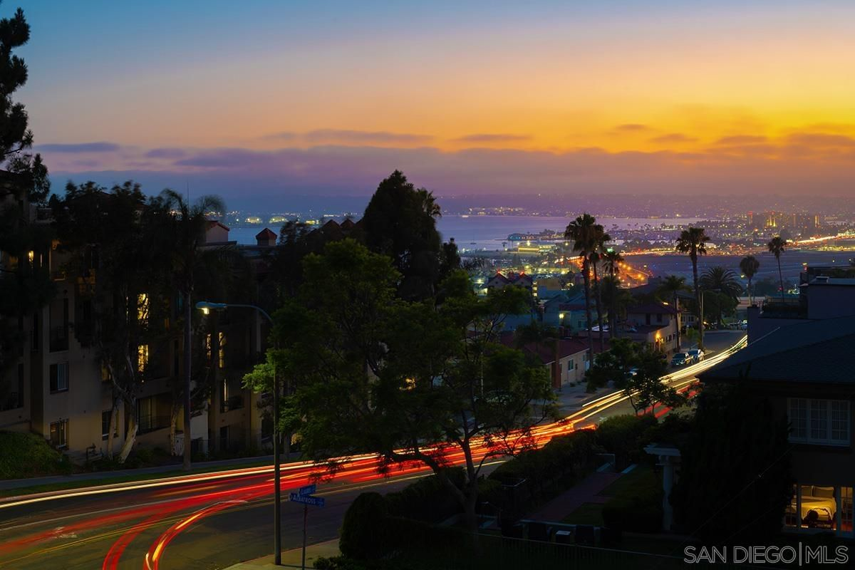 Main Photo: Condo for sale : 3 bedrooms : 230 W Laurel St #404 in San Diego
