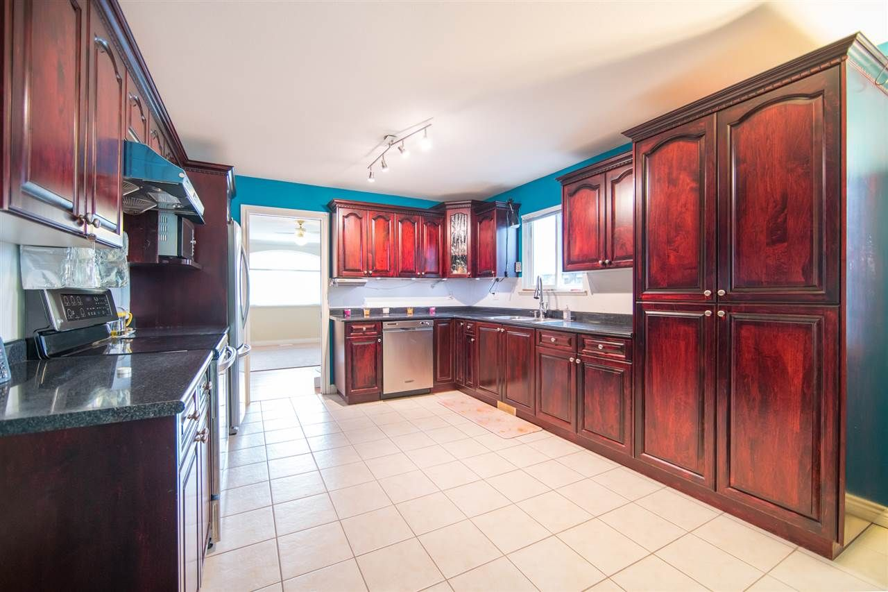 Photo 4: Photos: 2403 DAWES HILL Road in Coquitlam: Coquitlam East House for sale : MLS®# R2197337