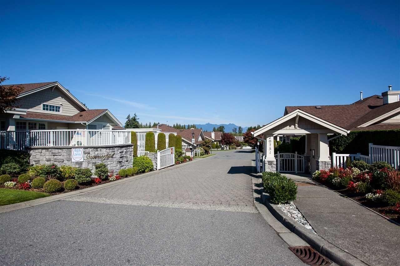 "Main Photo: 63 20751 87 Avenue in Langley: Walnut Grove Townhouse for sale in ""Summerfield"" : MLS®# R2211138"