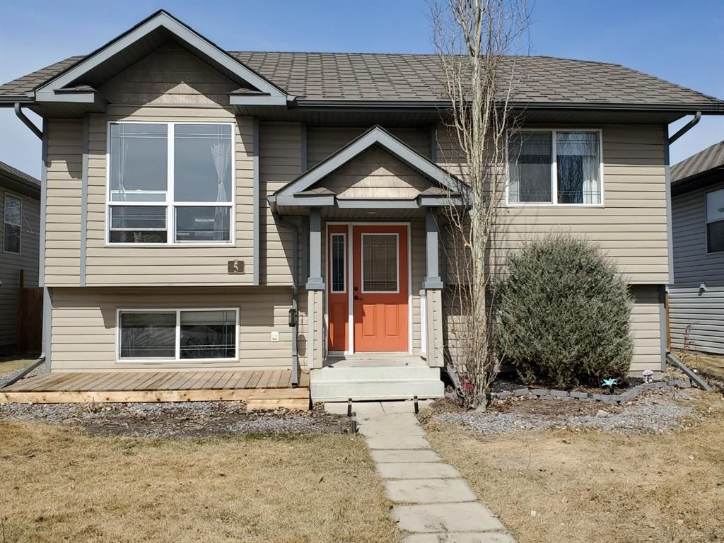 Main Photo: 5 Duncan Street: Penhold Detached for sale : MLS®# A1090455