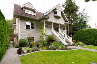 Photo 1: 1827 W 13TH Avenue in Vancouver: Kitsilano Townhouse for sale (Vancouver West)  : MLS®# R2486389