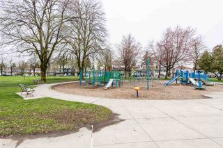 """Photo 20: 502 2689 KINGSWAY in Vancouver: Collingwood VE Condo for sale in """"SKYWAY TOWER"""" (Vancouver East)  : MLS®# R2355485"""