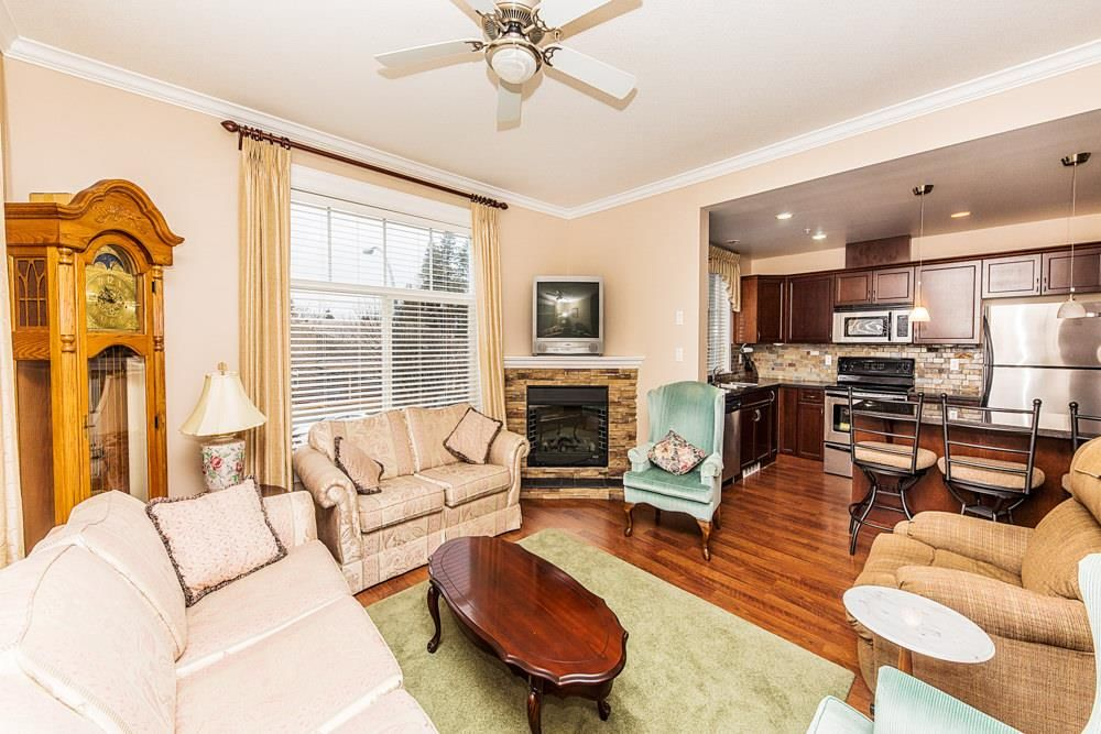 Photo 4: Photos: 211 33338 MAYFAIR Avenue in Abbotsford: Central Abbotsford Condo for sale : MLS®# R2327963