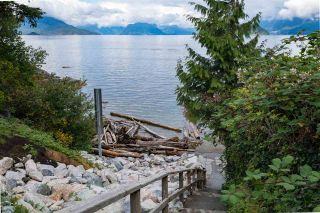 Photo 2: 6837 COPPER COVE Road in West Vancouver: Whytecliff House for sale : MLS®# R2332047