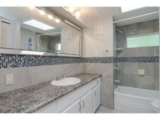 """Photo 15: 79 24330 FRASER Highway in Langley: Otter District Manufactured Home for sale in """"Langley Grove Estates"""" : MLS®# R2390843"""