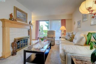 Photo 3: 28 1287 Verdier Ave in BRENTWOOD BAY: CS Brentwood Bay Row/Townhouse for sale (Central Saanich)  : MLS®# 774883