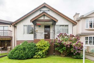 Photo 1: 2460 NAPIER Street in Vancouver: Renfrew VE House for sale (Vancouver East)  : MLS®# R2119733