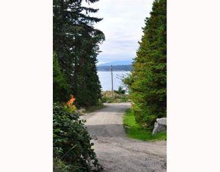 Photo 9: 8941 CHIKUAINUK Road in Halfmoon Bay: Halfmn Bay Secret Cv Redroofs House for sale (Sunshine Coast)  : MLS®# V865587