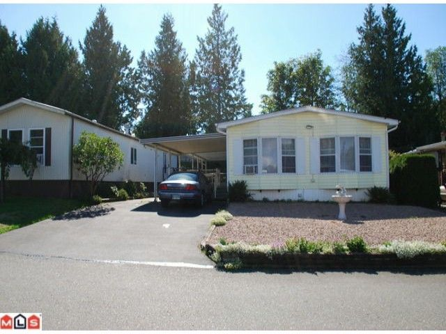 """Main Photo: 32 2315 198TH Street in Langley: Brookswood Langley Manufactured Home  in """"DEER CREEK ESTATES"""" : MLS®# F1023869"""