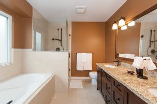 Photo 13: 2209 TURNBERRY Lane in Coquitlam: Home for sale : MLS®# R2305924