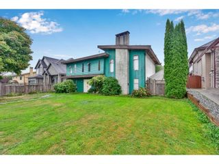 Photo 1: 15554 104A AVENUE in SURREY: House for sale : MLS®# R2545063