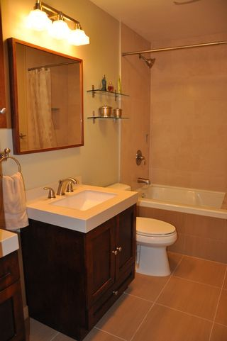 Photo 10: 915 Britton Drive in Woodside Village: Home for sale
