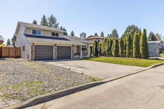 Photo 2: 820 INVERNESS Place in Port Coquitlam: Lincoln Park PQ House for sale : MLS®# R2584793