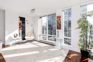 "Photo 3: 802 565 SMITHE Street in Vancouver: Downtown VW Condo for sale in ""VITA"" (Vancouver West)  : MLS®# R2539615"
