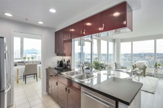 Photo 9: 3803 1033 MARINASIDE CRESCENT in Vancouver: Yaletown Condo for sale (Vancouver West)  : MLS®# R2257056