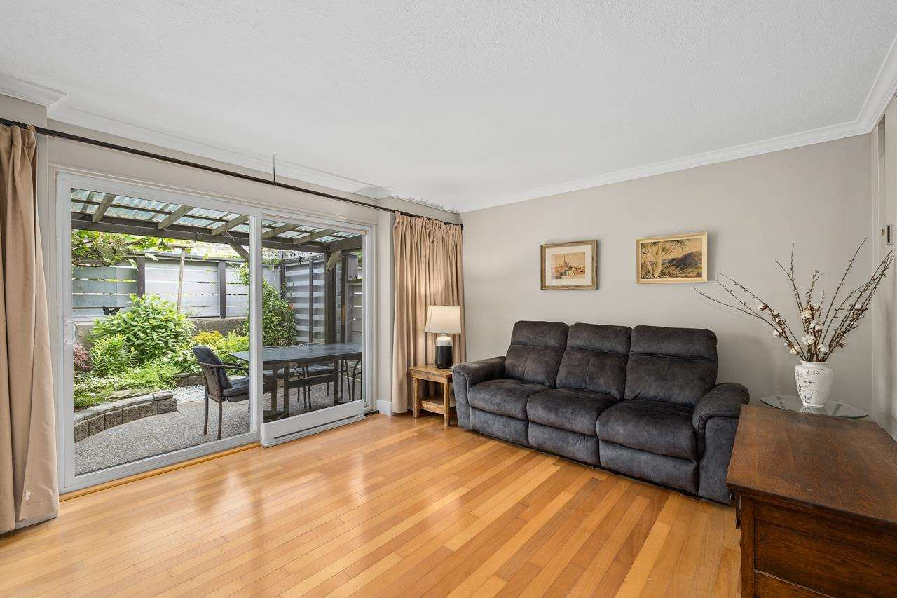 Main Photo: 963 HOWIE Avenue in Coquitlam: Central Coquitlam Townhouse for sale : MLS®# R2591052
