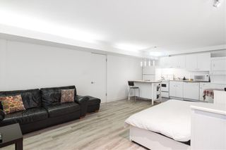 Photo 4: 250 W Rockland Road in North Vancouver: Upper Lonsdale House for sale : MLS®# r2388323