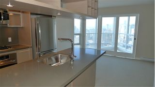 """Photo 9: 2210 833 SEYMOUR Street in Vancouver: Downtown VW Condo for sale in """"Capitol Residences"""" (Vancouver West)  : MLS®# V1056277"""