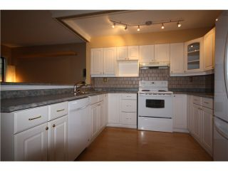 """Photo 2: 11 460 W 16TH Avenue in Vancouver: Cambie Townhouse for sale in """"Cambie Square"""" (Vancouver West)  : MLS®# V1054620"""