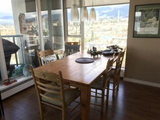 """Photo 9: 2403 120 W 2ND Street in North Vancouver: Lower Lonsdale Condo for sale in """"OBSERVATORY"""" : MLS®# R2252153"""