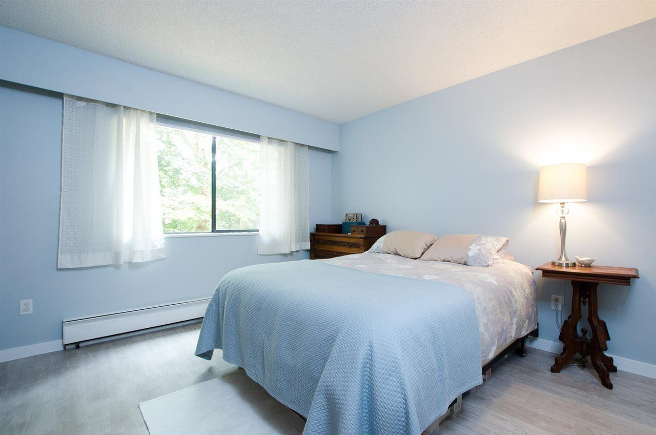 """Photo 7: Photos: 211 9101 HORNE Street in Burnaby: Government Road Condo for sale in """"Woodstone Place"""" (Burnaby North)  : MLS®# R2203020"""