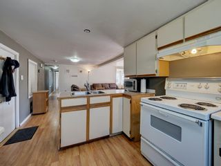 Photo 7: 4673 WHITAKER Road in Sechelt: Sechelt District Manufactured Home for sale (Sunshine Coast)  : MLS®# R2617779