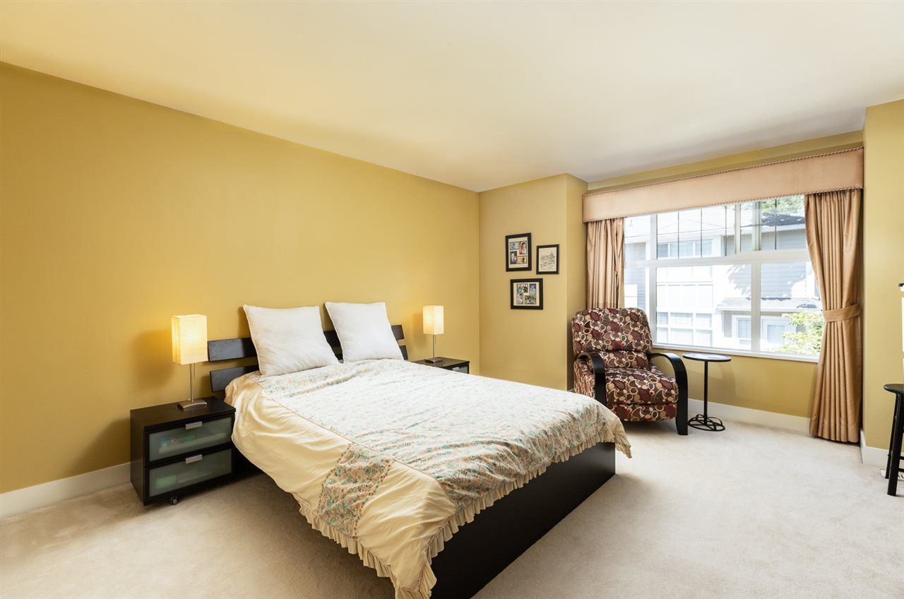 """Photo 16: Photos: 971 WESTBURY Walk in Vancouver: South Cambie Townhouse for sale in """"Churchill Gardens"""" (Vancouver West)  : MLS®# R2488294"""