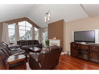 Photo 5: 309 20600 53A AVENUE in Langley: Langley City Condo for sale : MLS®# R2146902