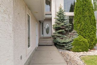 Photo 3: 1012 HOLGATE Place in Edmonton: Zone 14 House for sale : MLS®# E4247473