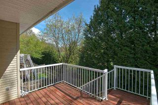 """Photo 18: 11 1108 RIVERSIDE Close in Port Coquitlam: Riverwood Townhouse for sale in """"HERITAGE MEADOWS"""" : MLS®# R2359716"""