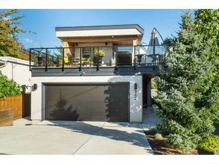 Photo 1: 962 FINLAY Street: White Rock House for sale (South Surrey White Rock)  : MLS®# R2511125