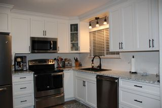 Photo 3: 760 RIVER Parade in Hope: Hope Center House for sale : MLS®# R2425328