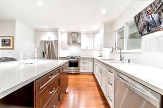 Photo 11: 2321 MARINE Drive in West Vancouver: Dundarave 1/2 Duplex for sale : MLS®# R2617952