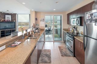 """Photo 5: 902 189 NATIONAL Avenue in Vancouver: Mount Pleasant VE Condo for sale in """"SUSSEX BY Bosa"""" (Vancouver East)  : MLS®# R2141629"""