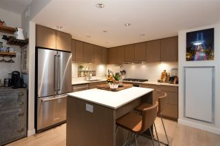 """Photo 7: 1111 111 E 1ST Avenue in Vancouver: Mount Pleasant VE Condo for sale in """"BLOCK 100"""" (Vancouver East)  : MLS®# R2565026"""