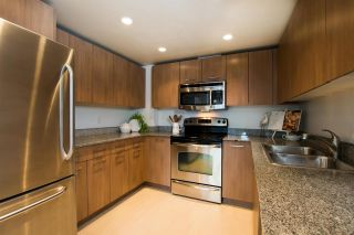 """Photo 5: 411 1212 HOWE Street in Vancouver: Downtown VW Condo for sale in """"1212 HOWE"""" (Vancouver West)  : MLS®# R2583498"""