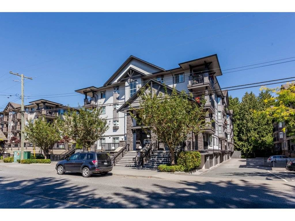 """Main Photo: 209 5474 198 Street in Langley: Langley City Condo for sale in """"Southbrook"""" : MLS®# R2193011"""