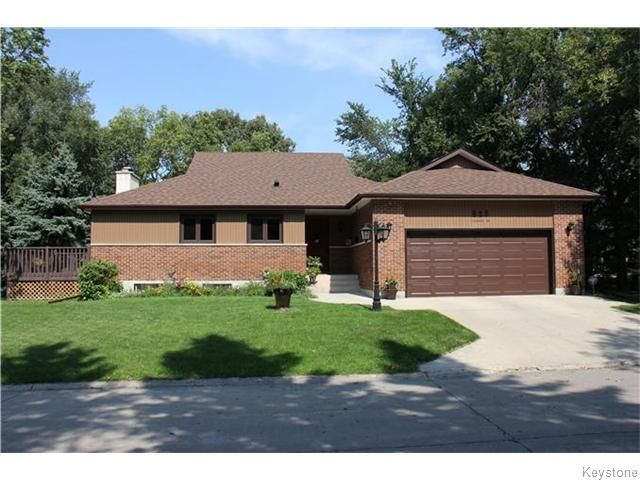 Photo 1: Photos: 825 Kilkenny Drive in Winnipeg: Fort Richmond Residential for sale (1K)  : MLS®# 1623586