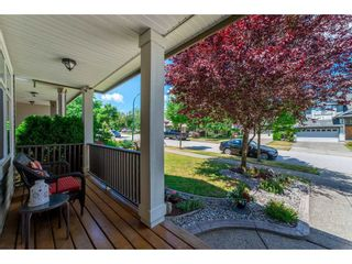 "Photo 4: 14898 59 Avenue in Surrey: Sullivan Station House for sale in ""Miller's Lane"" : MLS®# R2279086"